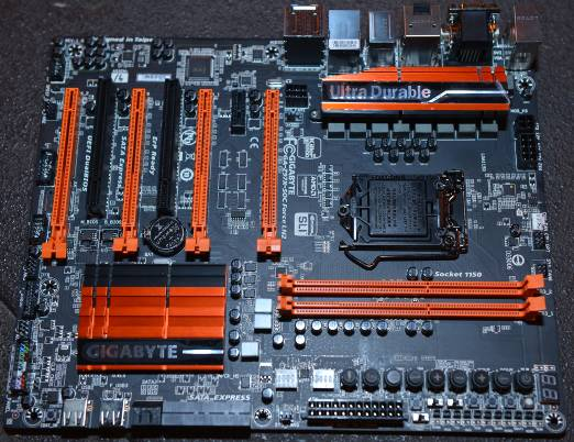 """GIGABYTE Z97X-SOC FORCE LN2 """"Overclocking Motherboard"""" Leads at Computex 2014 Overclocking Events"""