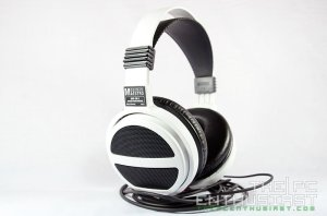German Maestro  GMP 435 S White Edition Headphone Review-08
